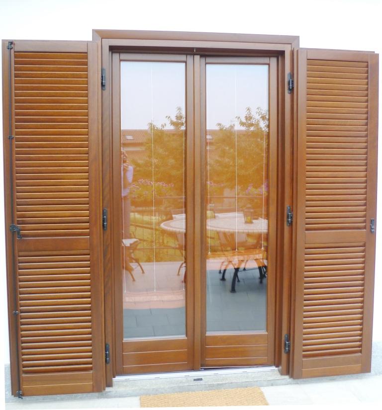 Sostituzione infissi in legno a pinerolo 3b falegnameria - Finestre monoblocco in legno ...